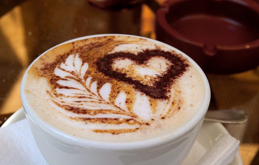 花粉症を引き起こす・悪化させるコーヒー
