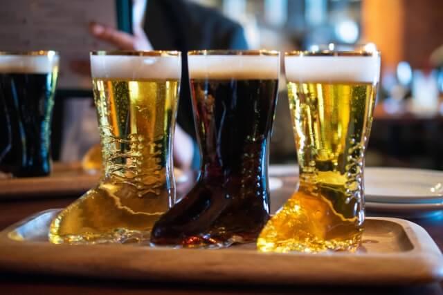 痛風の患者は、ビールを飲み過ぎなければ大丈夫