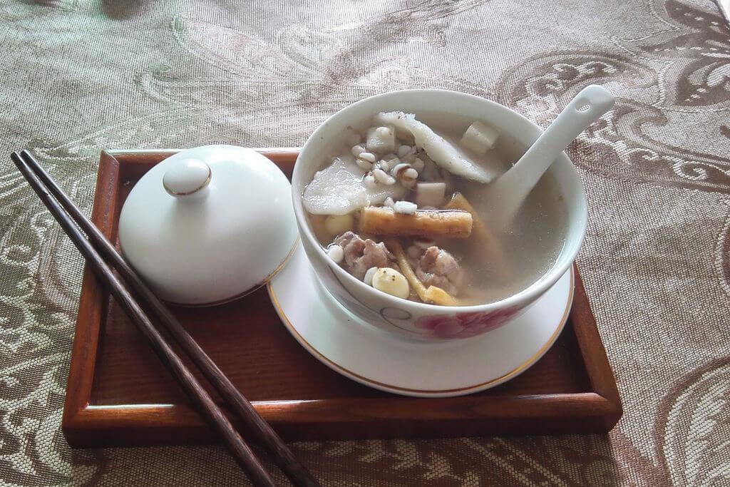 梅雨の食欲不振・むくみに効く薬膳料理:四神湯