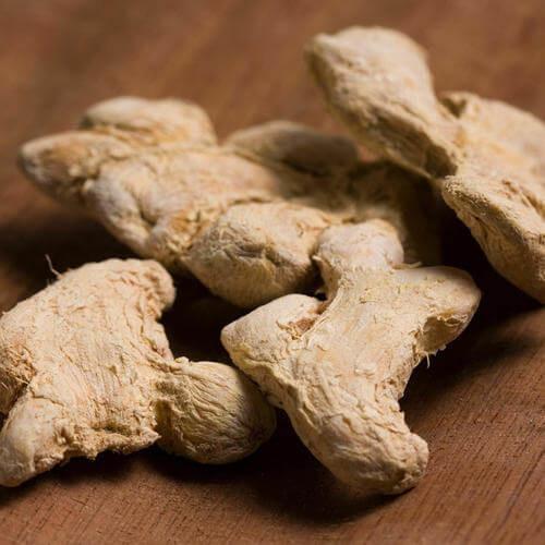乾姜(かんきょう):胃腸を温める作用がある生薬