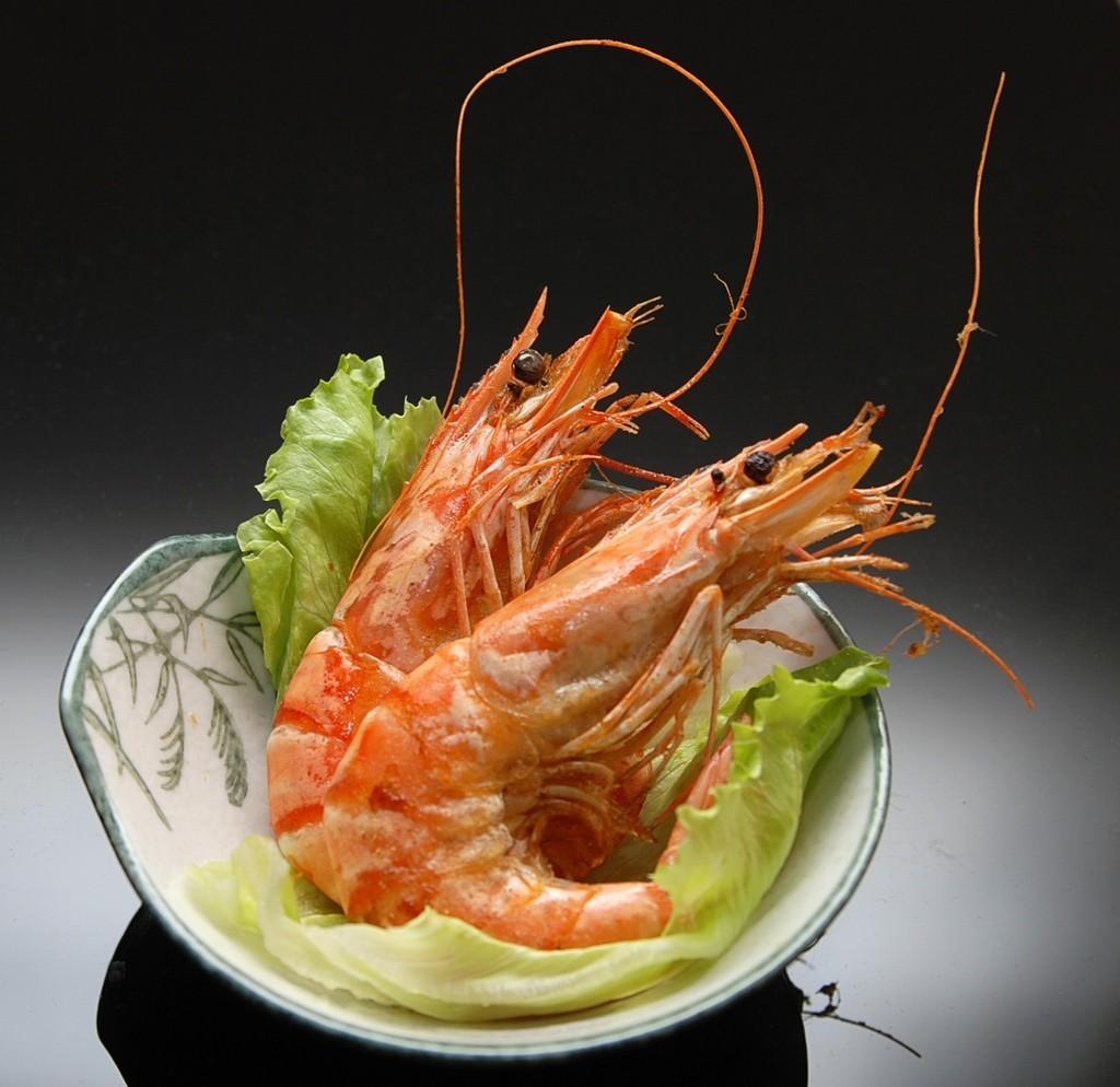 足が腐り、黄色い浸出液が出るときは、蝦が禁止