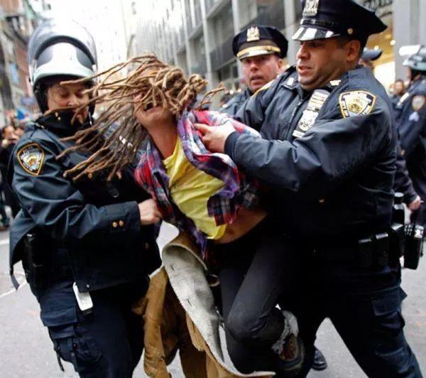 審議無用で、とりあえずボコボコするアメリカ警察は、瘀血体質かも知れない