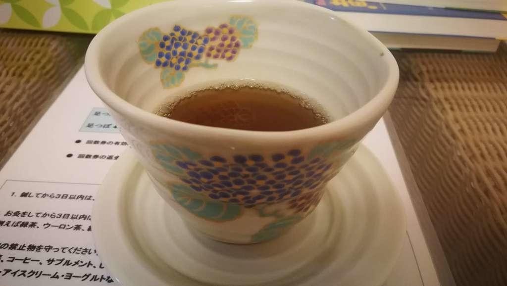 当院の自作漢方茶、施術後にどうぞ飲んでください♪