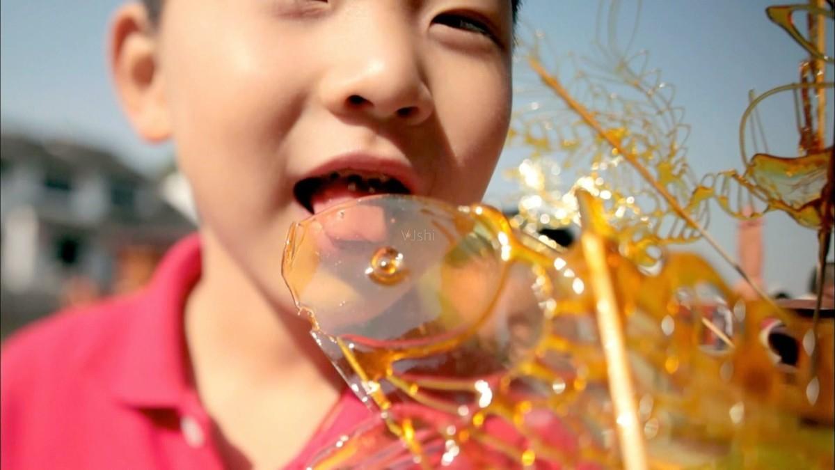 患者に特効薬だと話し、アメを食べさせても病気が治る「プラセボ効果」
