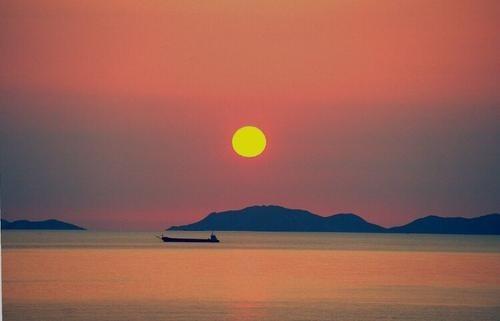 人間の体は自然の日昇、日が沈むのと同じように、徐々に変わる