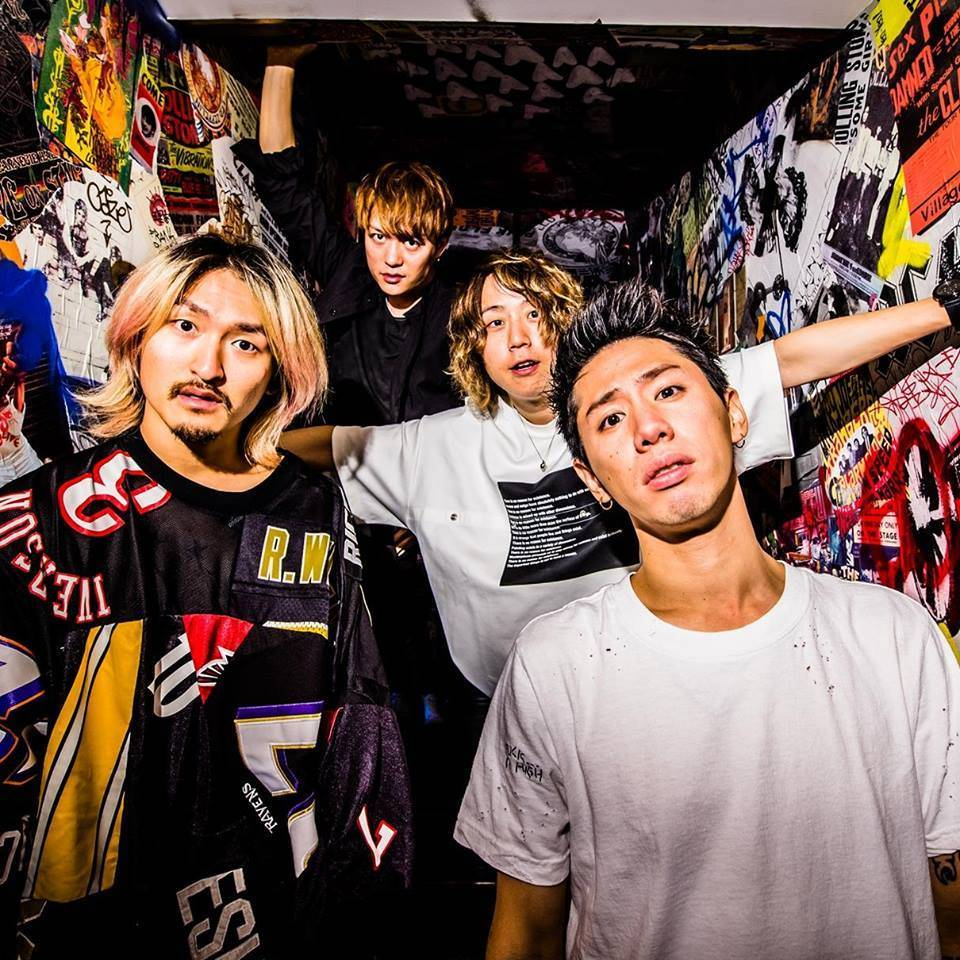 ONE OK ROCKのアー写