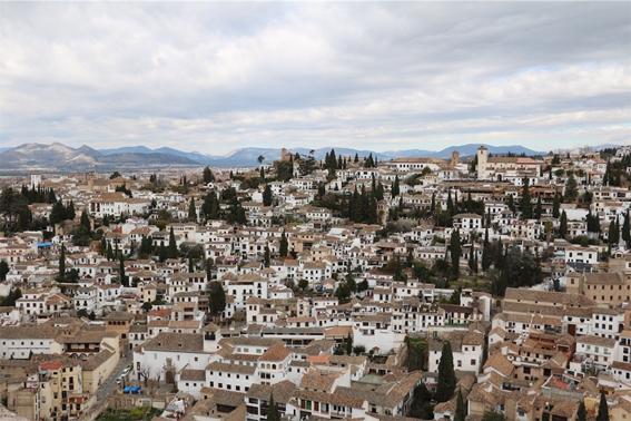 アルハンブラ宮殿から見下ろすグラナダ市街