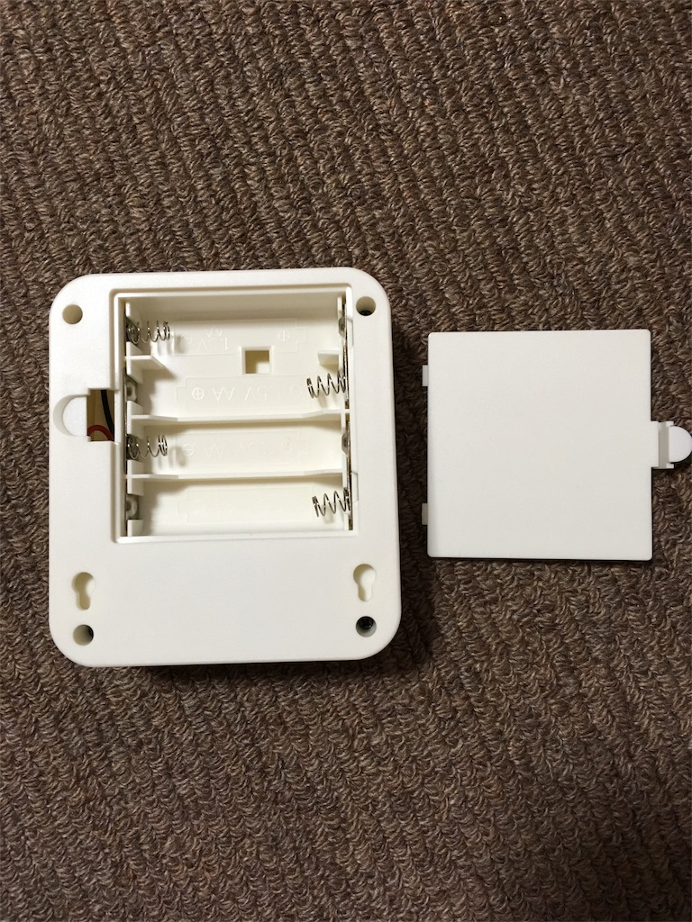 LEDモーションセンサーライト_裏側
