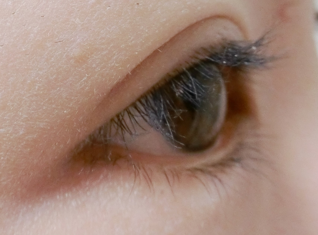 まつ毛パーマ9週間目すっぴん横からの目の画像