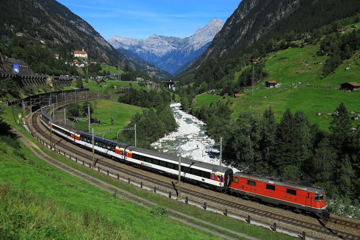 SBB Wassen Gotthard Panorama Express