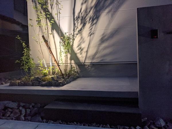打ち放しコンクリート シンボルツリー