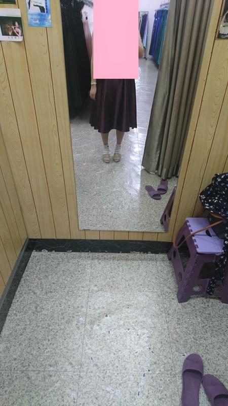 台電大樓駅ドレス屋さん3