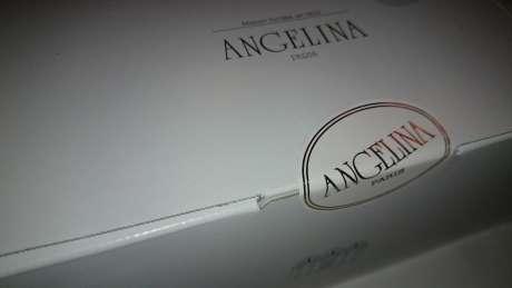 アンジェリーナ 箱