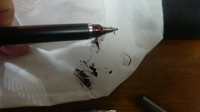 インク漏れ