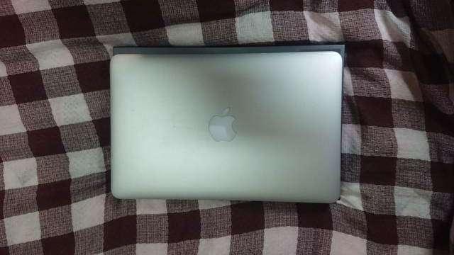 mac book airとLAVIE