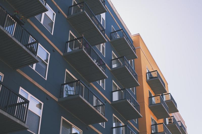 会社を設立してマンション経営する理由について徹底解説!|リビングコーポレーション