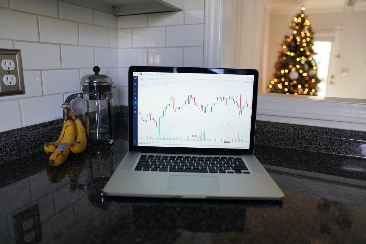 株デイトレードとは?メリットと注意点を徹底解説!|リビングコーポレーション