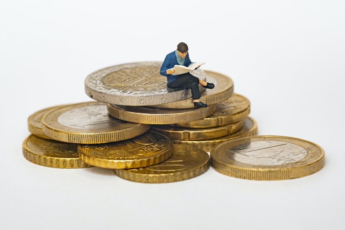 投資信託を徹底解説!2種類の利回りとは?|リビングコーポレーション