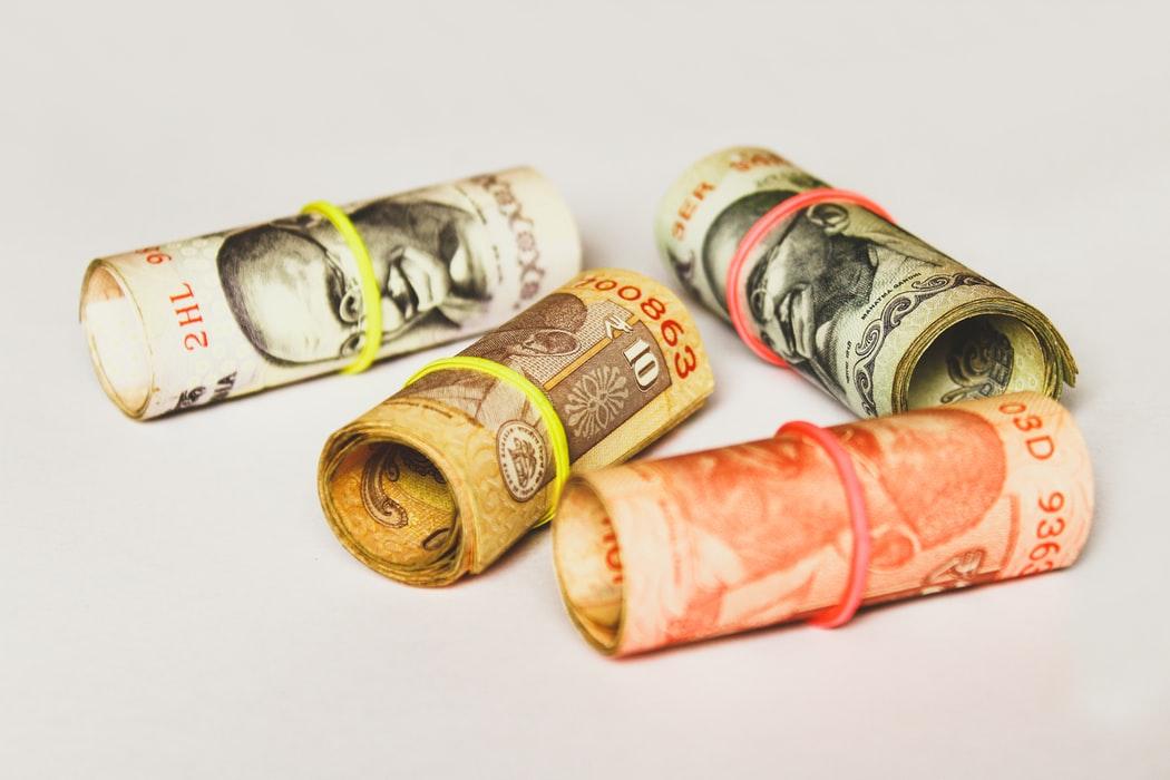 NISA投資信託とは?売却のタイミングが重要?|リビングコーポレーション