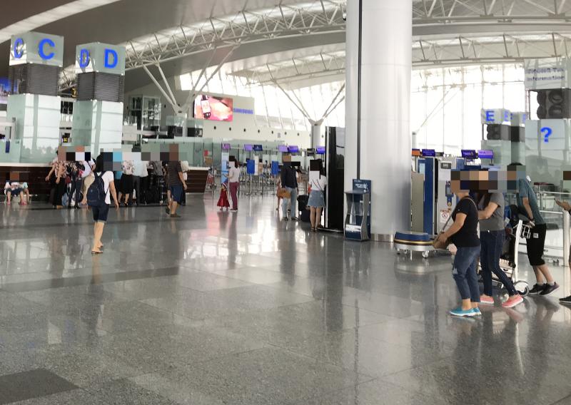 ノイバイ国際空港出発フロア2