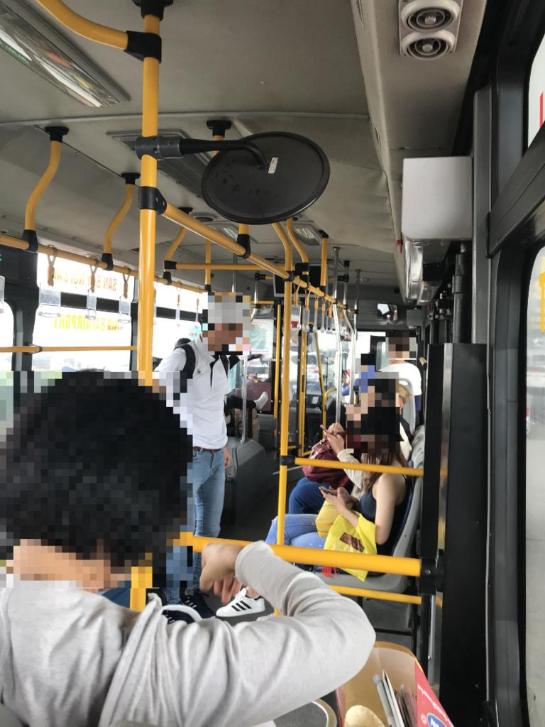 86番バス車内