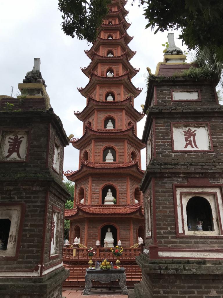 チャンクオック寺仏舎利塔2