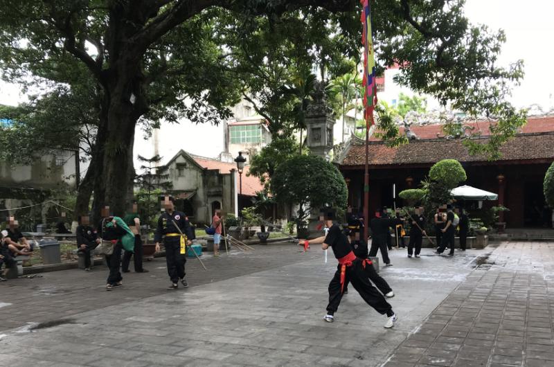 クアンタン寺中庭