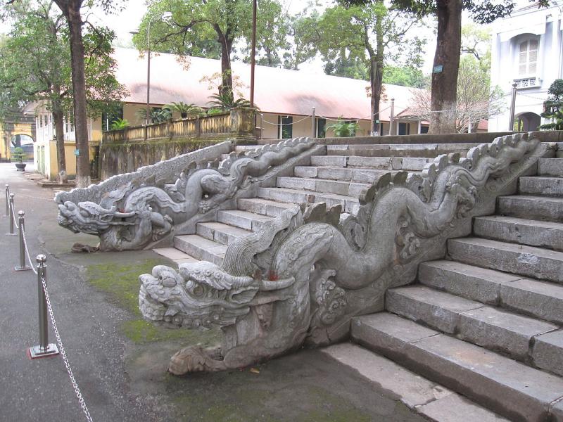 タンロン遺跡龍の階段