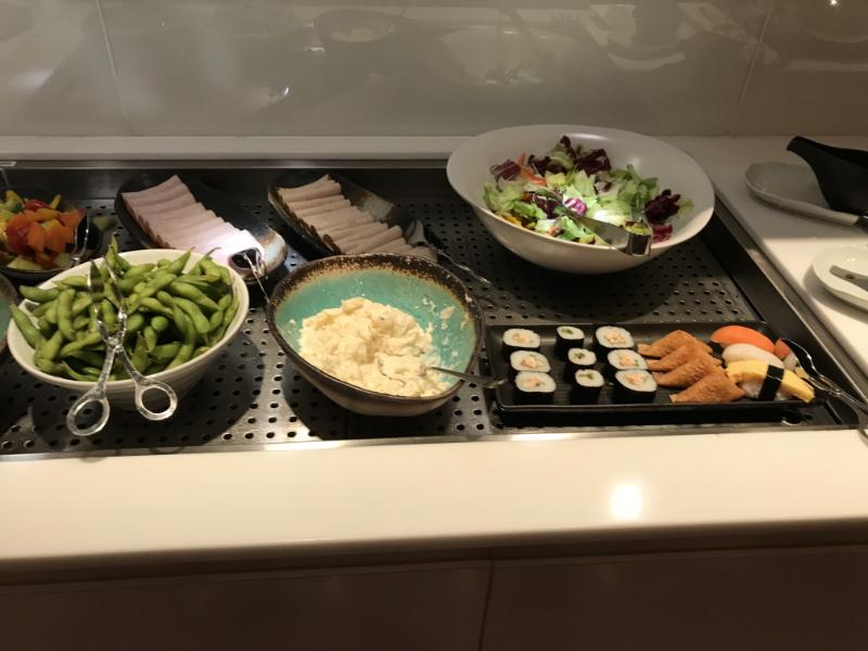 カンタス航空ラウンジ食事3