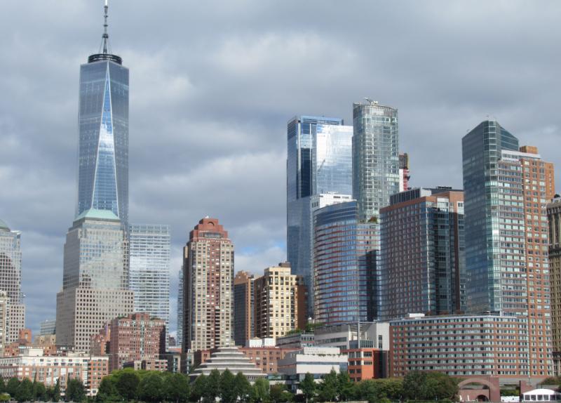 フェリーからマンハッタンの眺め