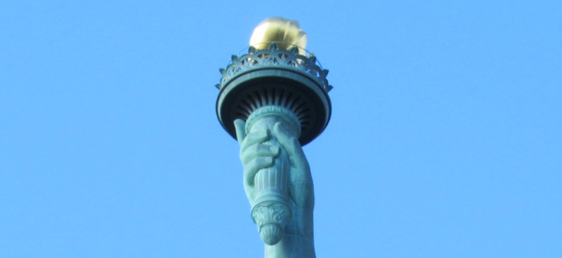 自由の女神像右手