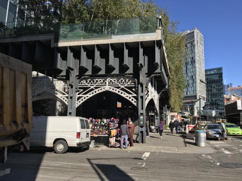 ガンズボートストリート入口