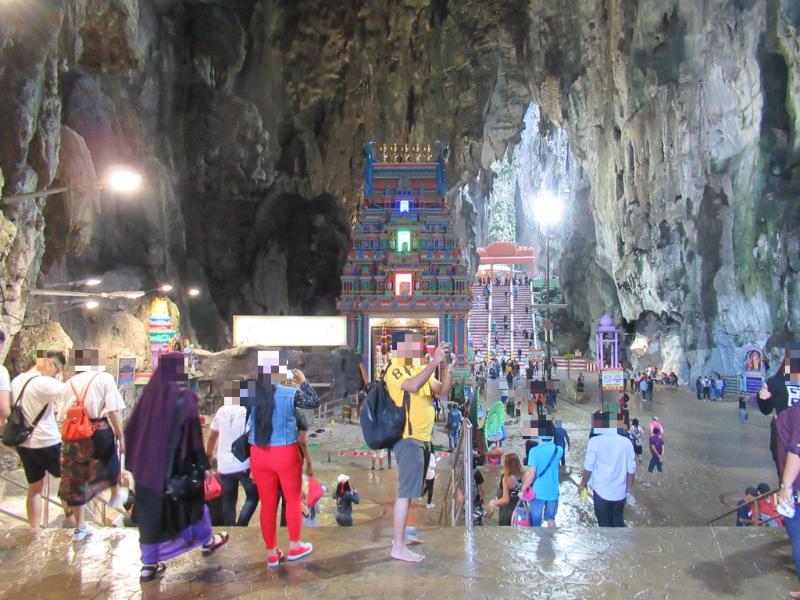 バトゥ洞窟内2