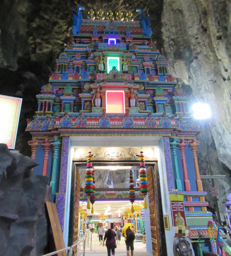 バトゥ洞窟内3