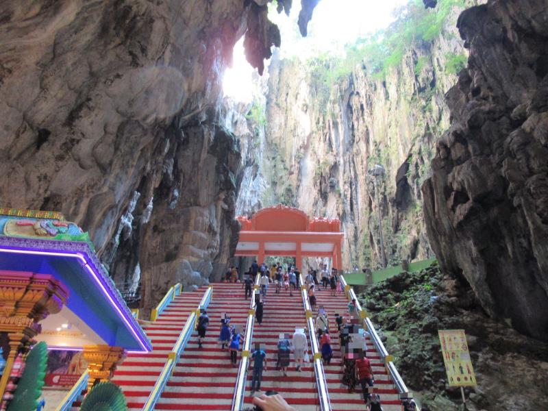 バトゥ洞窟内4
