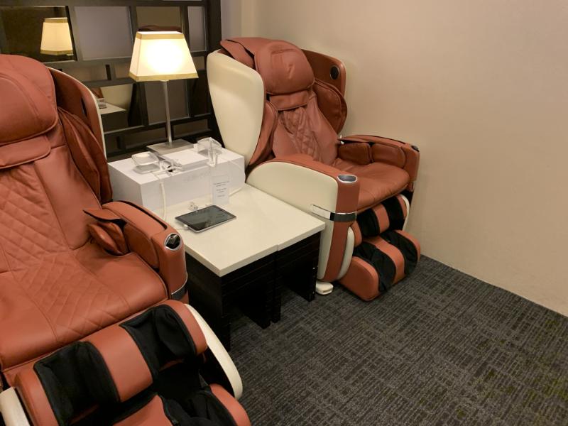 STAS Premier Loungeマッサージチェア