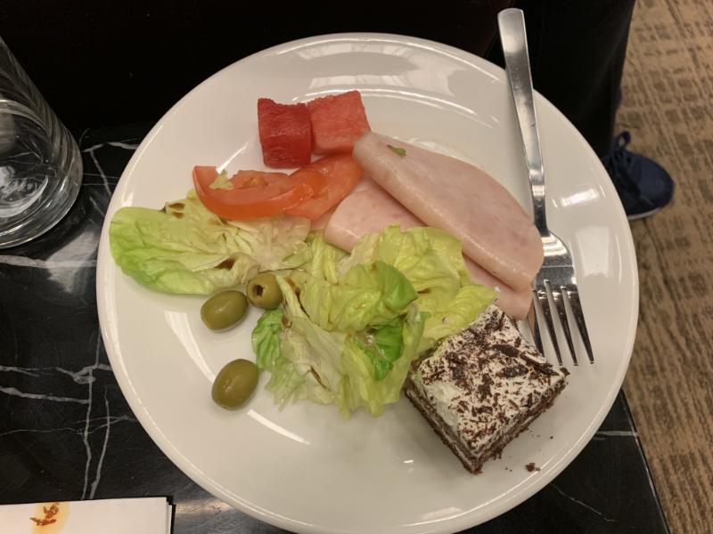 STAS Premier Lounge料理