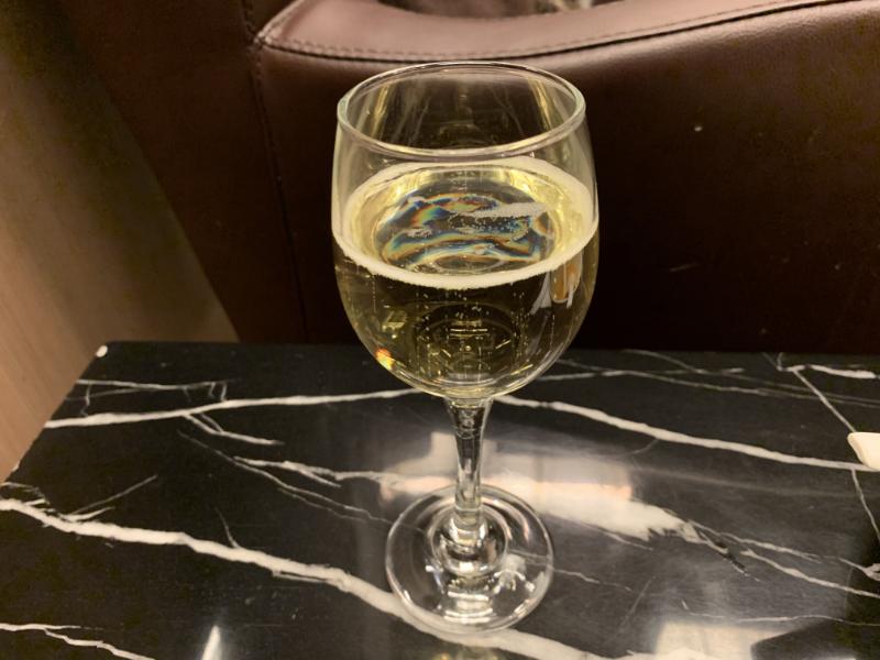 STAS Premier Loungeスパークリングワイン