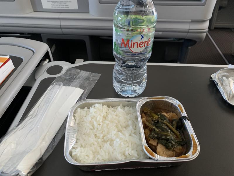 タイライオンエアプレミアムエコノミークラス食事