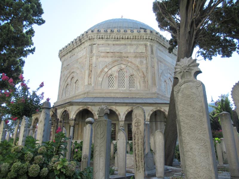 スレイマニエ・モスク墓地