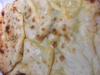 ルンビニのチーズナン