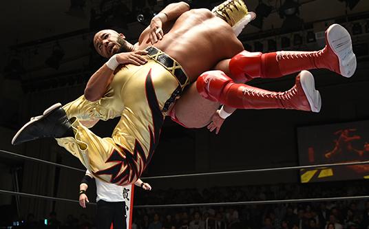 タイガーマスク vs ジョナサン・グレシャム