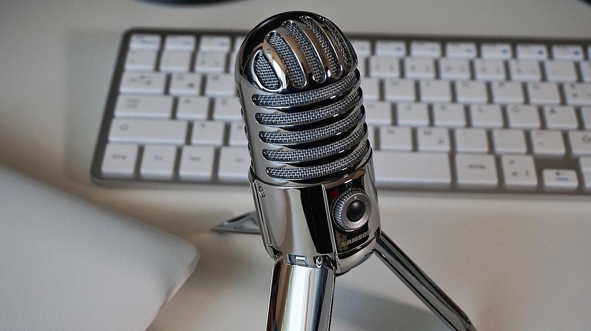 音声入力のためマイクとキーボード