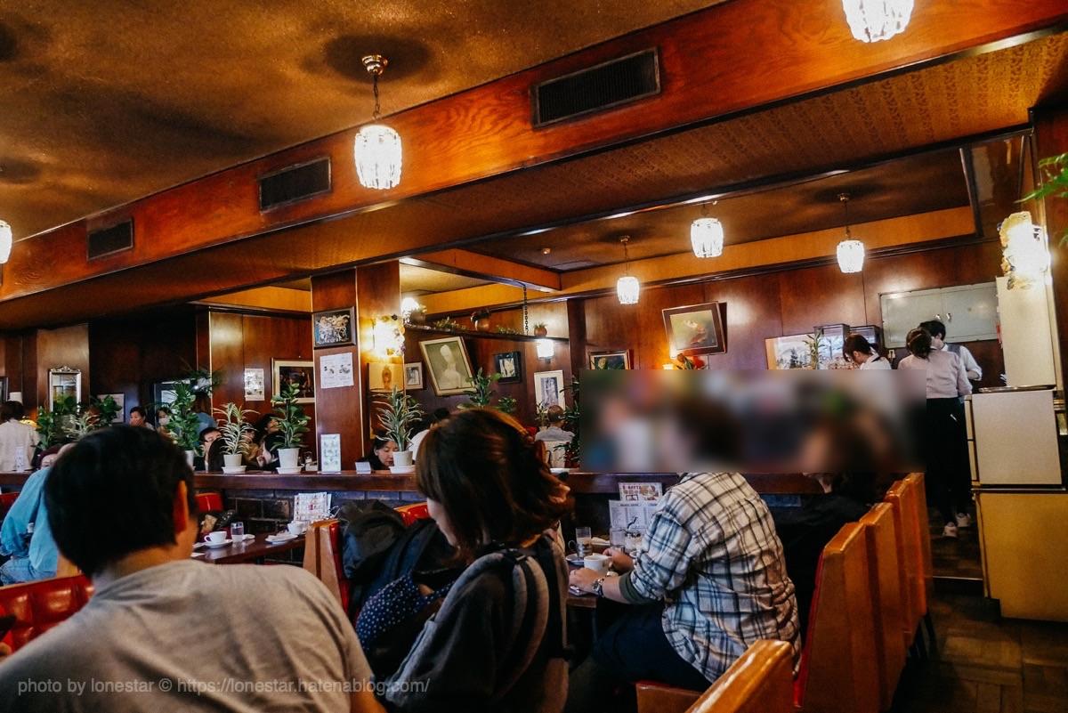 喫茶店 ボンボン 店内
