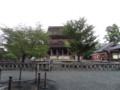 雨の止み間の金峯山寺蔵王堂