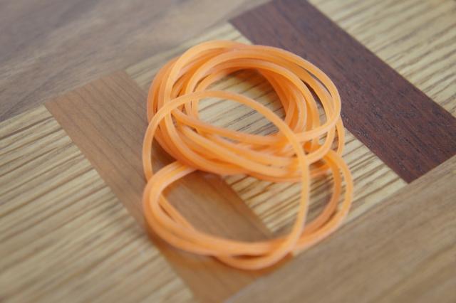 輪ゴムの束 photo by photo AC