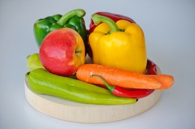 野菜や果物を多く摂取する