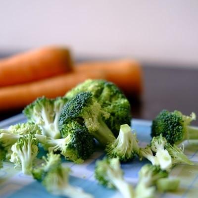 デメリットは、でんぷん質の多い野菜や穀物が入っていること