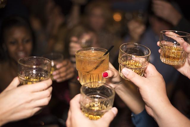 【意外!】ウイスキーが実は6の身体に良い理由があった!!