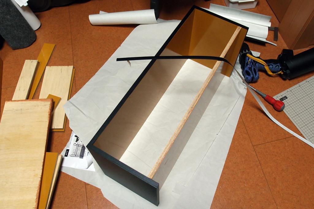塗装済コンパネ利用の棚を作成中